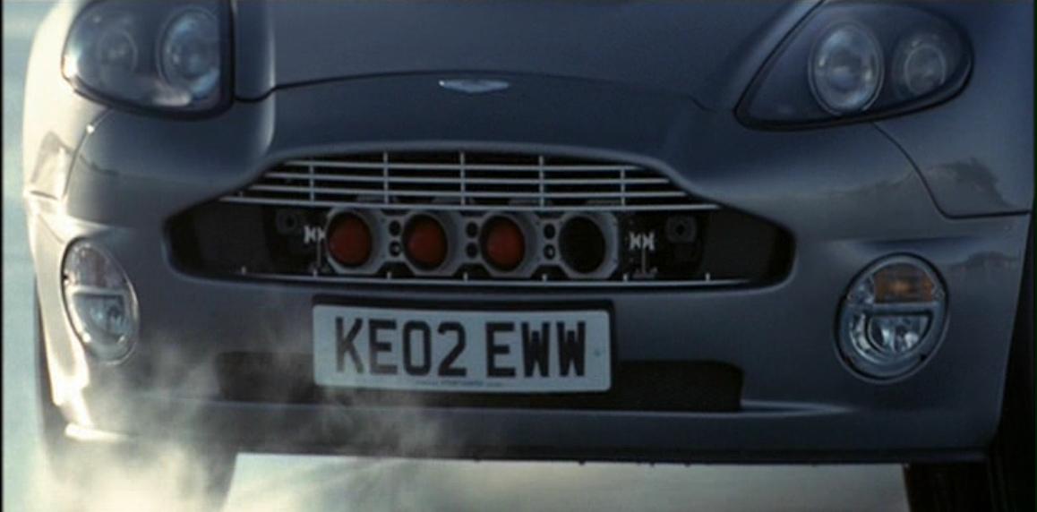Aston Martin V12 Vanquish (Умри, но не сейчас - ракеты).JPG
