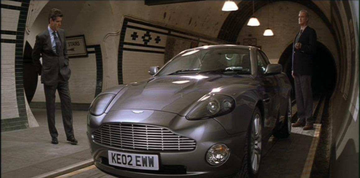 Aston Martin V12 Vanquish (Умри, но не сейчас 1).JPG