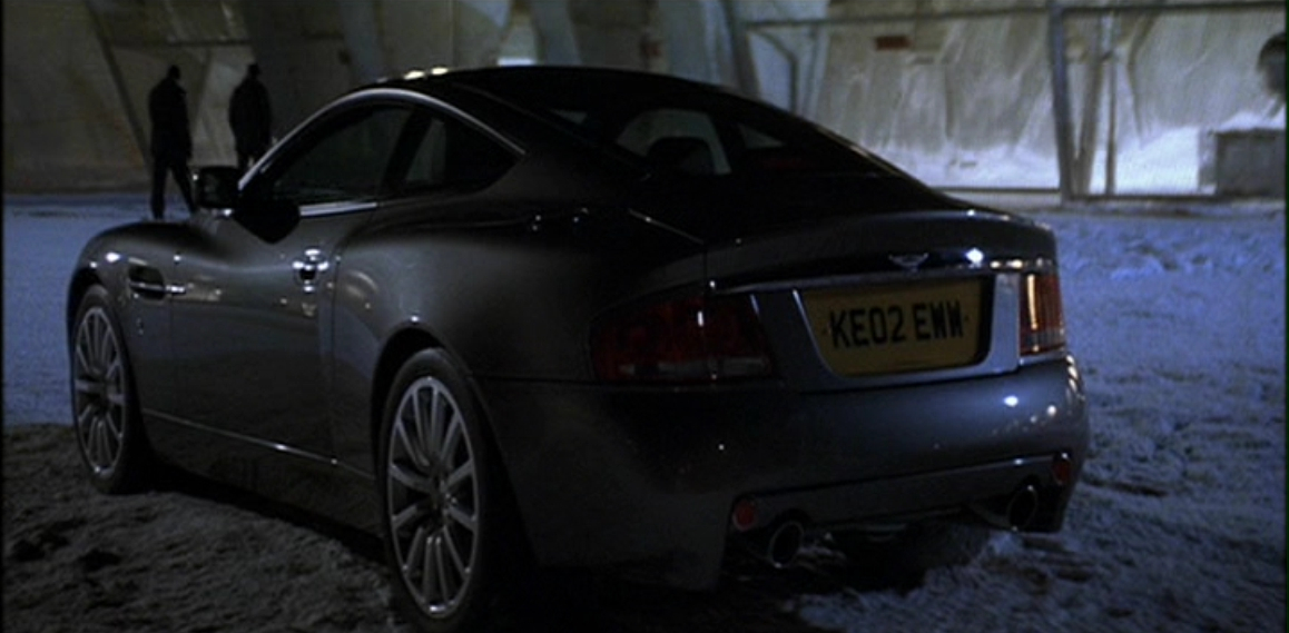 Aston Martin V12 Vanquish (Умри, но не сейчас 5).JPG