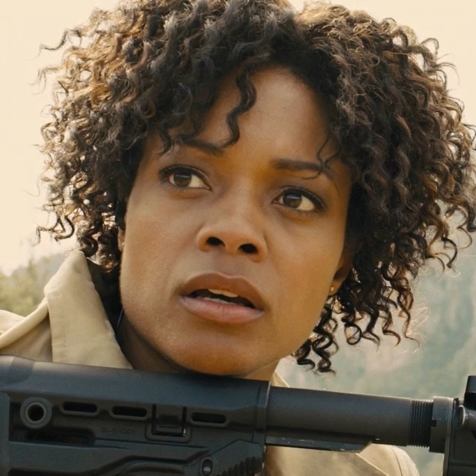 Eve Moneypenny (Naomie Harris) - Profile.jpg