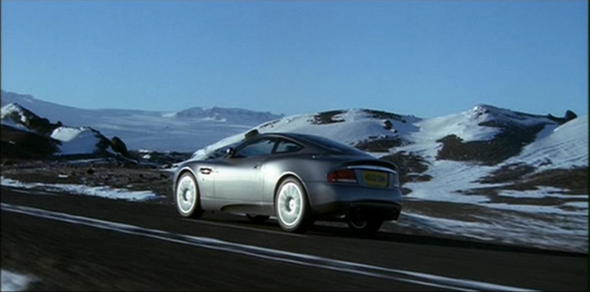 Aston Martin V12 Vanquish (Умри, но не сейчас 3).JPG