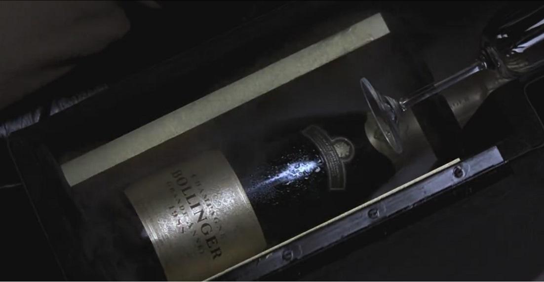 Aston Martin DB5 (Золотой глаз, холодильник).jpg