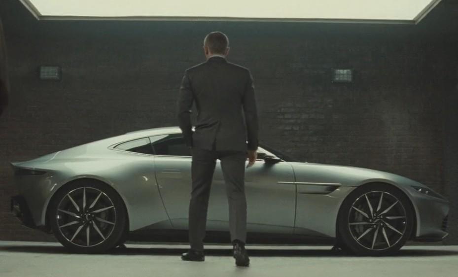 Aston Martin DB10 (Spectre).jpg
