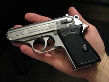 Walther PPK (2).jpg