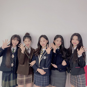 05Class pre-debut group photo 2.png