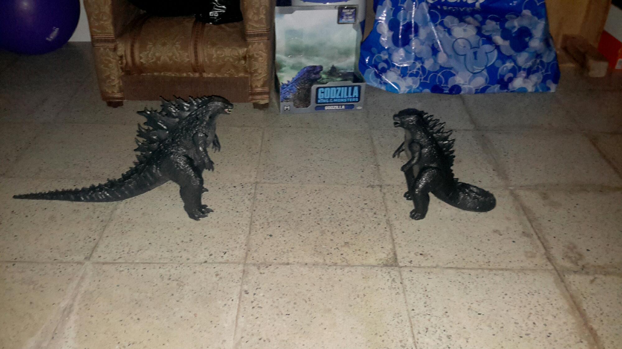 Godzilla 2014 vs godzilla 2019 quien gana