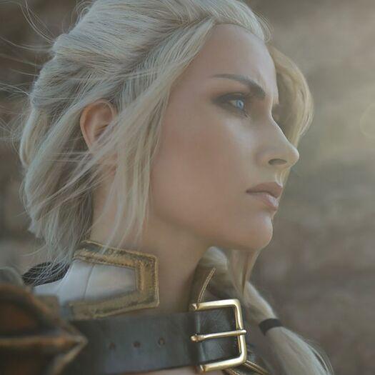 The Queen Of WarCraft Cosplay