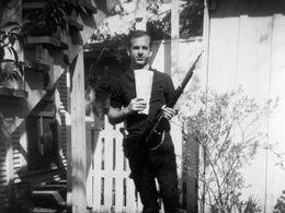 Lee Harvey Oswald gun hist.jpg