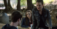 S02E02-Two-Girls-Kissing-029-Clay-Skye-Hallucination-Hannah