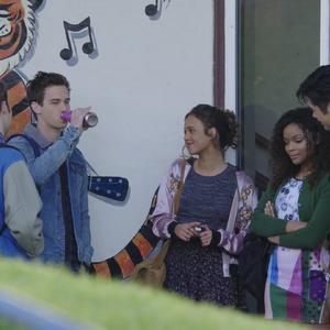 S01E09-Tape-5-Side-A-011-Bryce-Justin-Jessica-Sheri-Zach.png