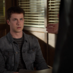 S04E10-Graduation-042-Clay-Jensen.png