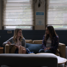S02E11-Bryce-and-Chloe-050-Chlöe-Jessica.png