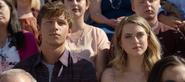 S04E10-Graduation-106-Scott-Chlöe
