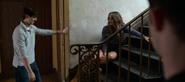 S04E02-College-Tour-048-Brady-drunk-girl