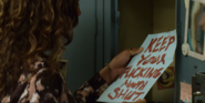 S02E02-Two-Girls-Kissing-014-Jessica's-Threat