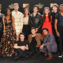13 Reasons Why Cast MTV Awards.jpg