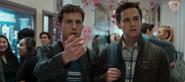 S04E03-Valentine's-Day-002-Clay-Justin