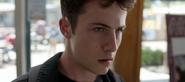 S04E01-Winter-Break-069-Clay-Jensen