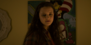 S02E12-The-Box-of-Polaroids-035-Hannah-Baker