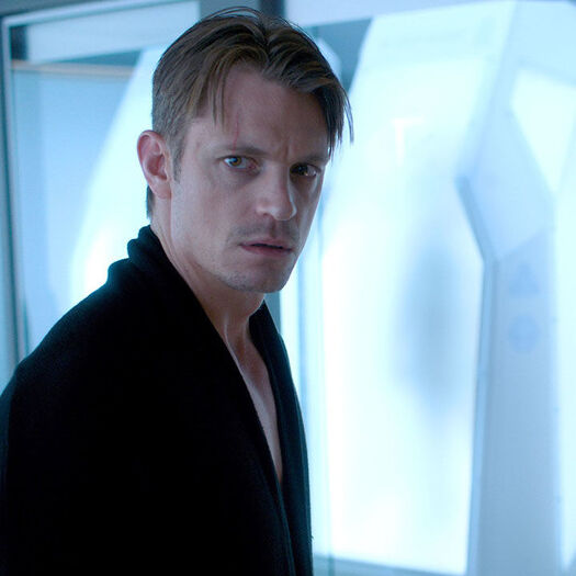 SPOILER ALERT: How 'Altered Carbon' Deals With Book's Most Controversial Scene