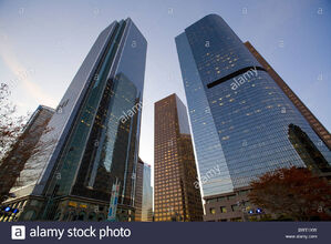 One-california-plaza-and-two-california-plaza-bunker-hill-downtown-BWT1XW.jpg