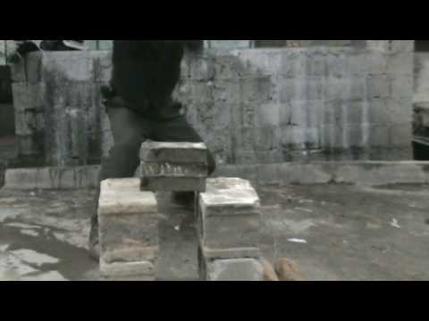 Japanese sword - cutting bricks of stones easily Part 1 ~ Amazing