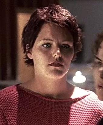 1x01 CTU staffer red hair.jpg