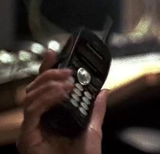 1x01 Tony's phone.jpg