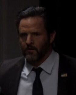 10x09 Scott Hunter.jpg