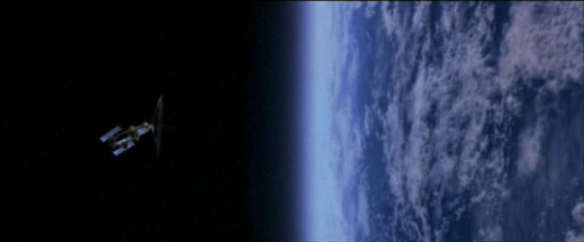 1x01 Earth.jpg