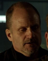 9x06 rask henchman 2.jpg