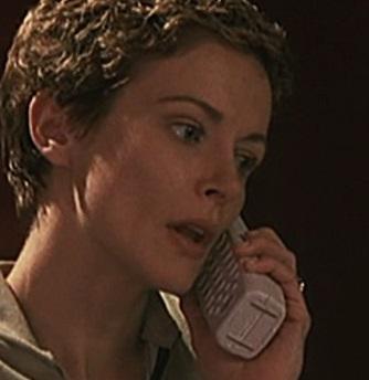 1x01 Bauer house phone.jpg