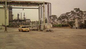 5x01-refinery.jpg