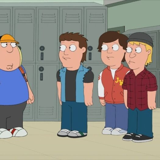 Stewie helps Chris face school bullies
