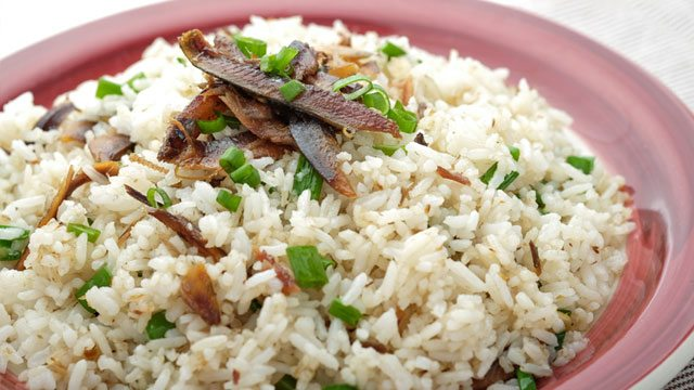 How to make Tuyo Fried Rice