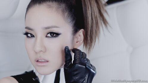 Sandara-Park-Close-Up-3-I-am-The-Best-K-Pop-2NE1-Wallpapers