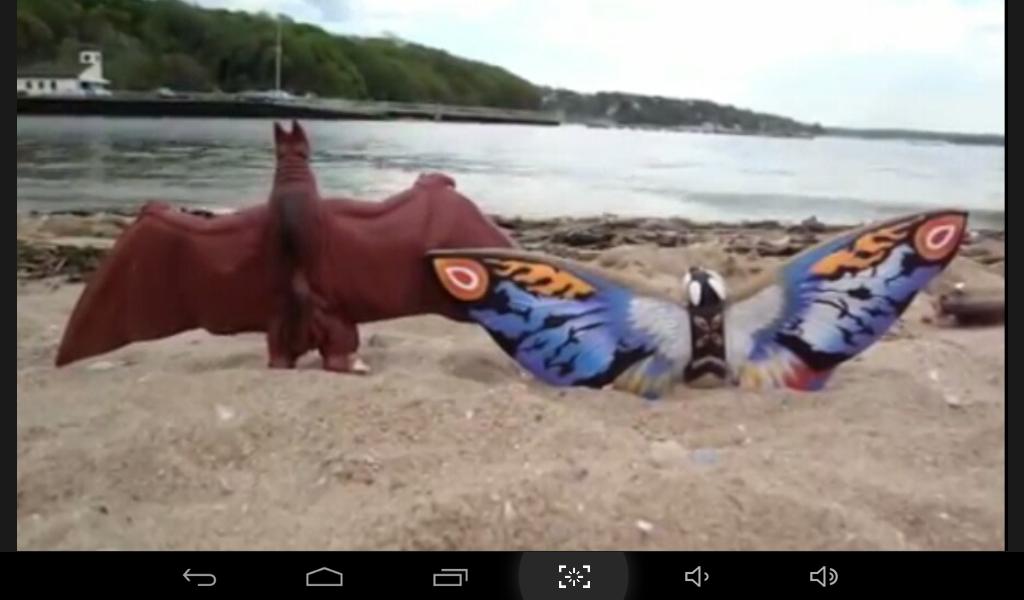 Recuerdo el día en que todos los kaijus fuimos a la playa