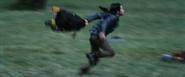 Distrikt 4 weiblich rennt weg