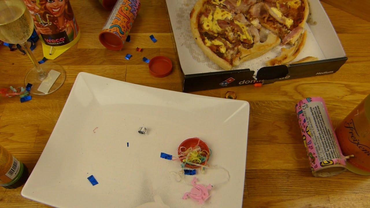 Happy New Year Everyone!!! (Domino's Pizza Bacon Deluxe & Freixenet)