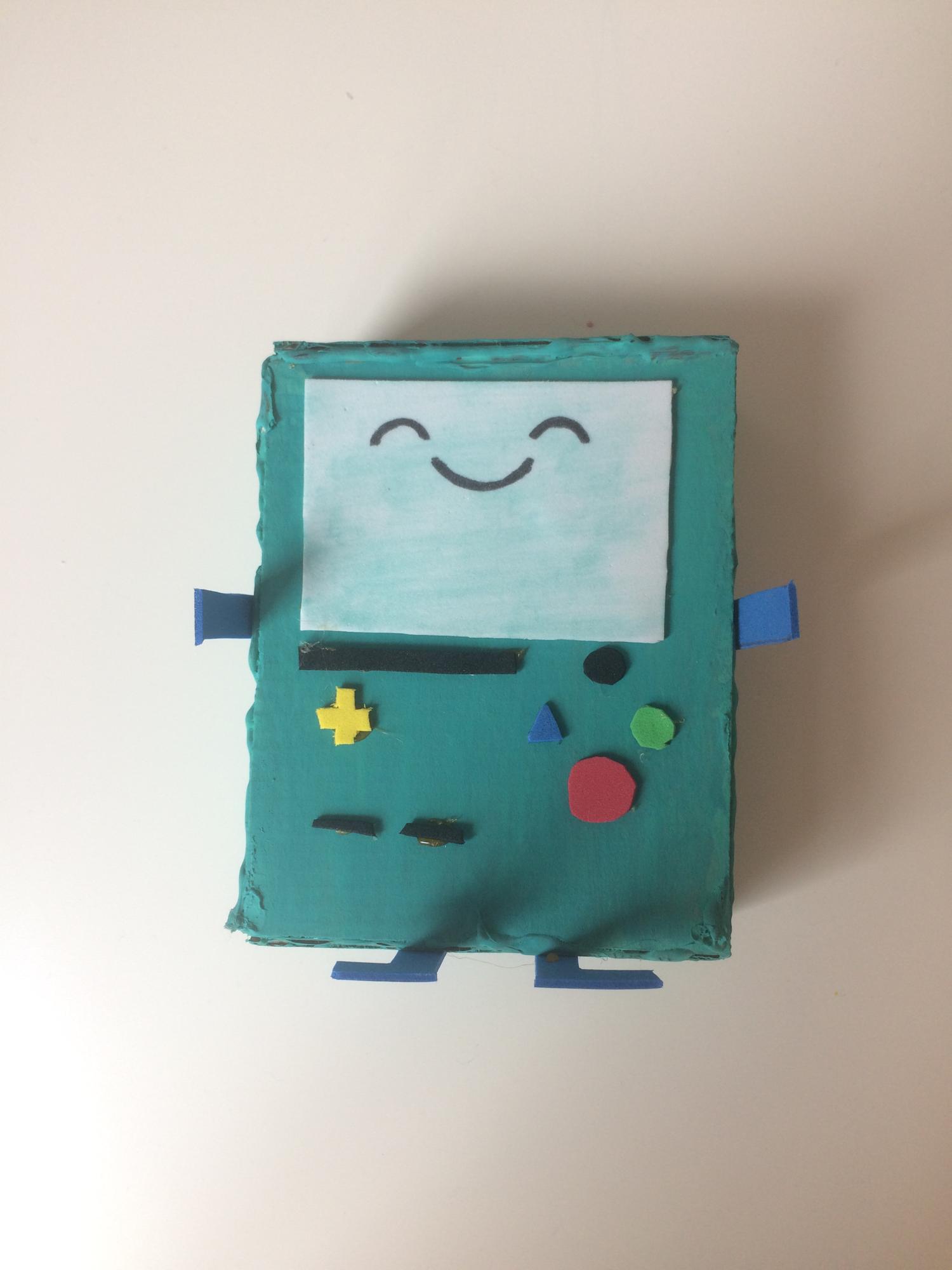 I made a cardboard BMO😇