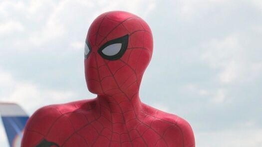 This Spider-Man Cosplay With Real-Life Animated Eyes Is Incredible