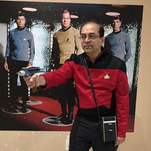 Star Trek fan builds a home theater Starfleet would love