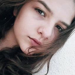 IsabellaBolseiro's avatar