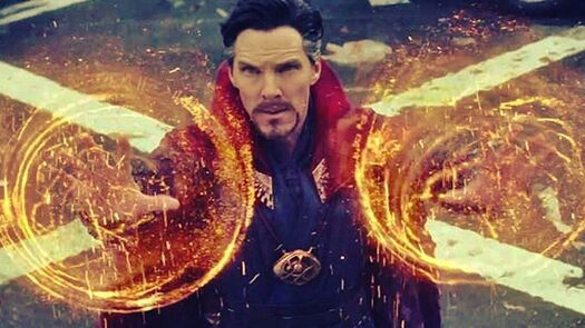 Doctor Strange Cosplay Uses Real Holograms and Blows Minds