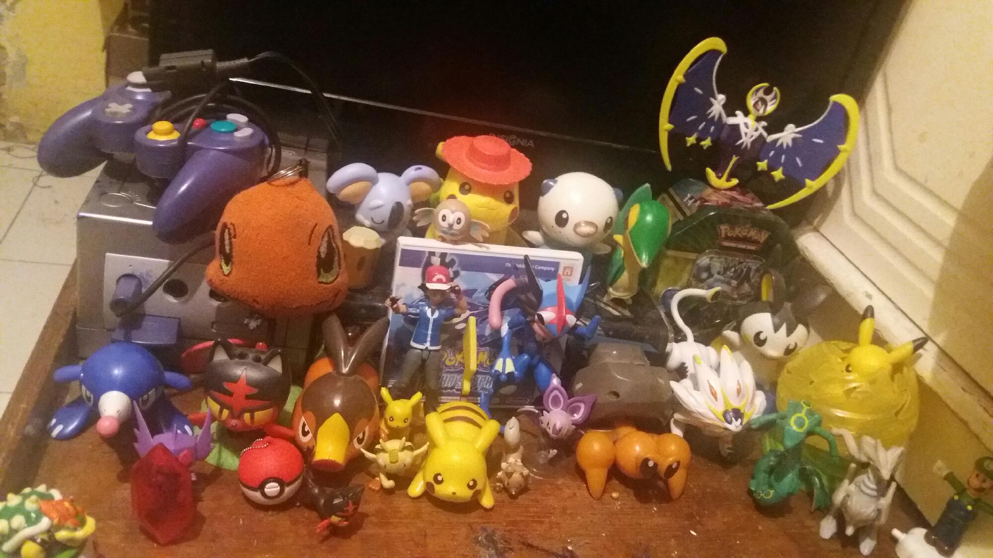 Muestren sus colecciones pokemanicas ^-^