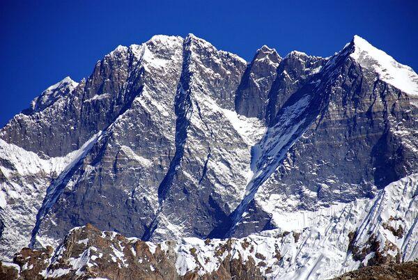 Everest Southeast Face.jpg