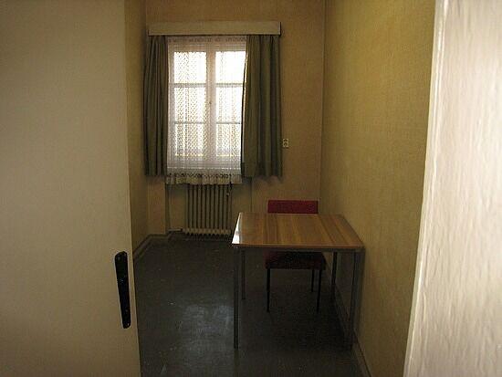 FI reading room.jpg