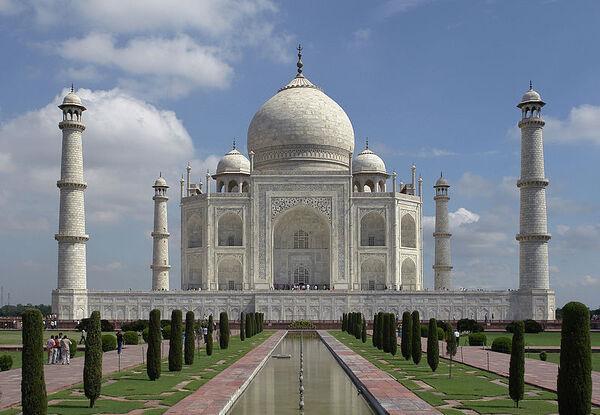 800px-Taj Mahal, Agra, India edit3.jpg