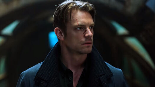 'Altered Carbon' Review: New Netflix Show REALLY Wants To Be 'Blade Runner'
