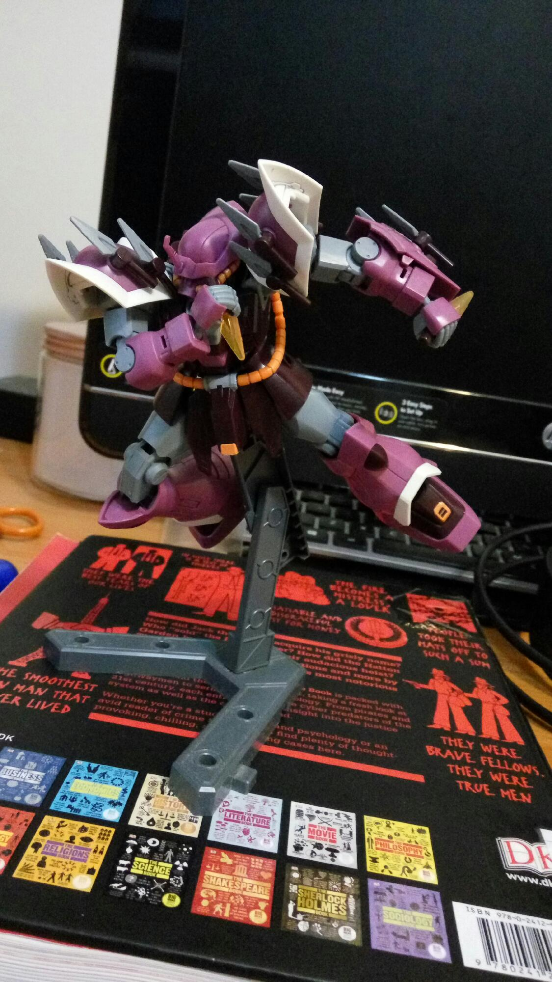 How can I find more poses for Gunpla?